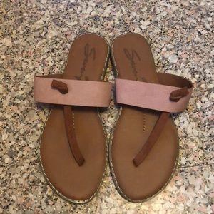 NWOT Seven7 Sandals, size 9